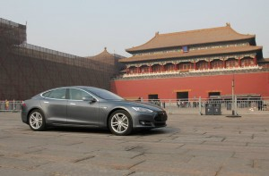 2014-tesla-model-s-in-china_100464978_h